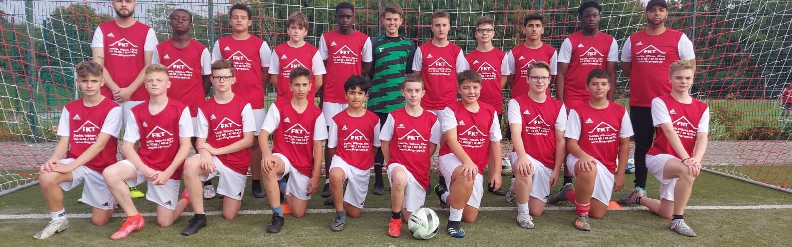 Foto zum Beitrag: Neuer Trikotsatz für unsere C1 Junioren – Danke an FKT!!!